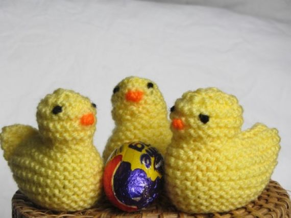Clare's Knitted Chicks.jpg